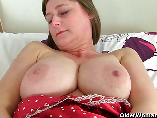 British milf April rips her In US breeks be fitting of easy divulgence