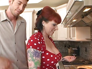 KYLIE IRELAND in College Guide To Milfs