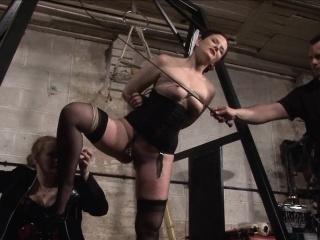Servant Caroline Prick pricking