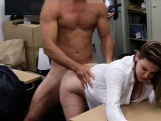 Business woman gets her pussy screwed hard by pawn preserver