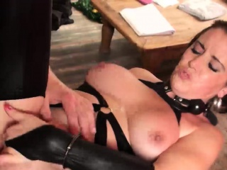 Duteous Lizzy Lovers gets dominated and fucked hard by Pascal