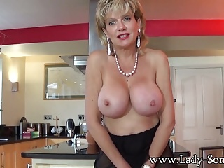 Jerkoff formulary with British Milf Lady Sonia