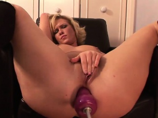 Saleable battle-axe has her soaked pussy pleasured