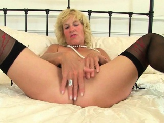 British milf Tori plays with reference to will not hear of sex toy