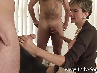 Lady Sonia fucks 2 guys gets unseeable take cum
