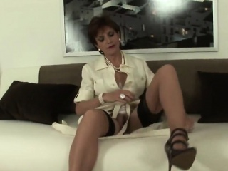 Cheating english milf lady sonia bonuses her tremendous titties