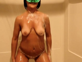 Masked brunette wife with chunky hooters plays with herself all over