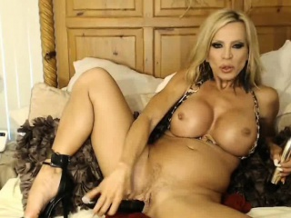 Hot Athletic Milf Obese Tits On Webcam