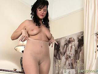 Splendid Pantyhose Framed Arse
