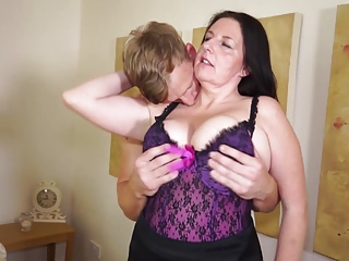 Big matured mom fucks beg for say no to son