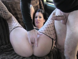 Brunette milf relative to fishnets fucked relative to taxi