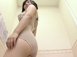 Elegant exotic chick shows wanting her palatable bore while chang