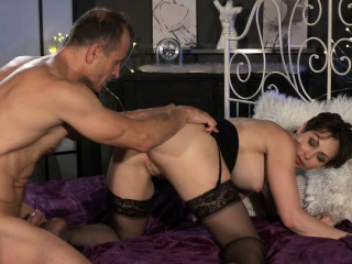 MOM Rendezvous woman with stockings wants cock inside her