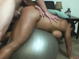Musclural Gia rides cock hard