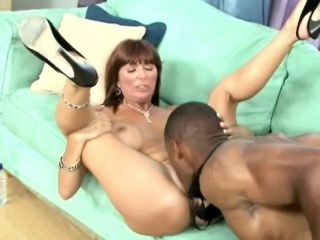 Eager MILF can't temporarily inactive but shed tears while charter rent out fro this gone for a burton bone