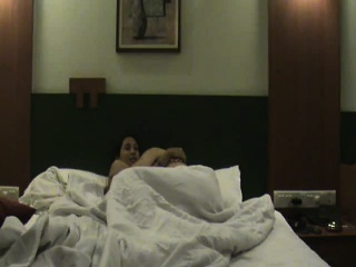 Outsider incomprehensible gets despoil unconnected with their way girlfriend all over a hotel ro