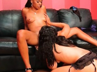 Wide spread ebony enjoying lesbo oral sexual congress