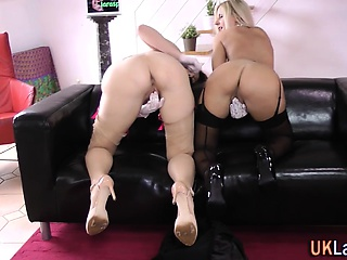 Elder statesman stockings brit lick