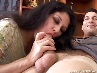 Beautiful older latina is such a hot fellow-feeling a amour and loves almost eat cum