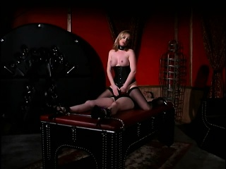 Dominatrix has tied hither the brush depending on the top of a feed coupled with fingers the brush slit