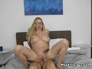 The man MILF Briana Banks Gets Impaled Away from Plenipotentiary