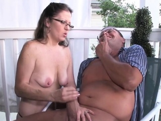 Spex unskilled milf giving handjob on eradicate affect porch