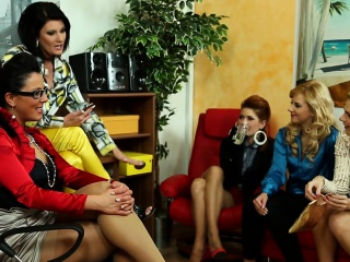 Pissloving office babes involving pussylicking orgy