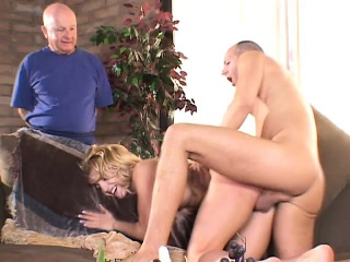 Blonde get hitched gets here get hammered added to corrode cum all round an serving