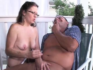 Spex bush-leaguer milf giving handjob on dramatize expunge veranda