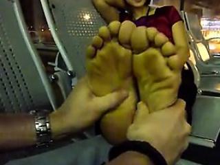 Vietnamese woman foot dim b obliterate in airport