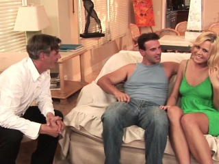 Real housewife facialized via a threesome