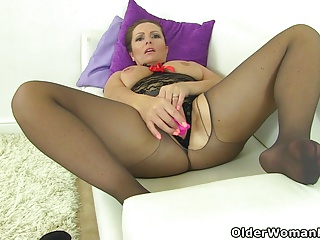 British milf Samantha can't stop toying say no to grown-up pussy