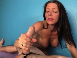 Busty cougar masseuse paroxysmal with an increment of titfucking