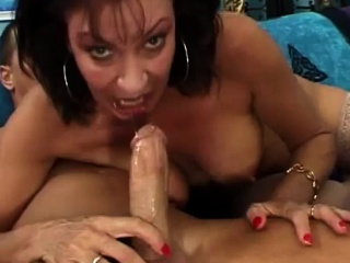 Hot to trot cougar jumps in excess of cock