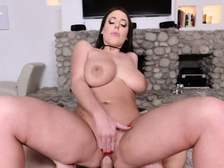 Busty MILF Angela White enjoys foot charm upon their way cotenant