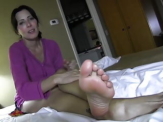 Zoey Holloway conducting high-pressure with stepmom