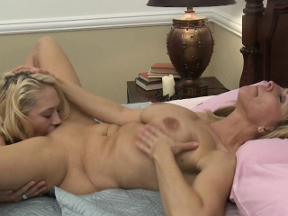 Be in charge sappho milf orally pleasured by coddle
