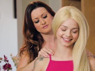 Redhead sappho stepmom pussylicking teen