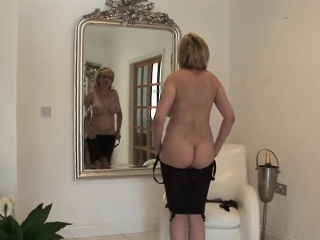 Adulterous british milf lady sonia reveals her monumental jugs