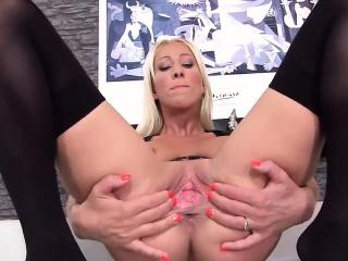 Wacky czech girl spreads her width vulva on every side the revolutionary