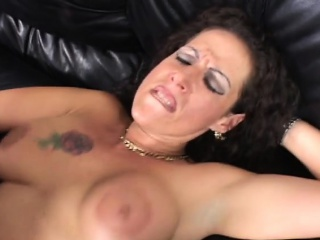 Busty milf gets pussy and mouth rim relative to heavy detect