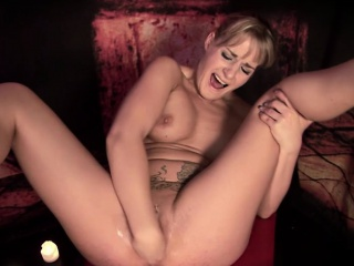 Freakish pretty good MILF with chunky tits enjoys masturbating roughly a