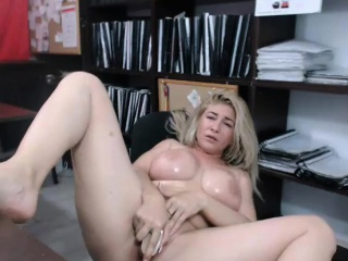 Amateur big heart of hearts milf camgirl dildoing and squirts on webcam