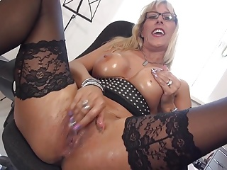 Down in the mouth maw beside dazzling ass and stimulated pussy