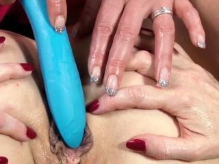 HITZEFREI Texas Patti drills Defamatory Tina's ass back toys