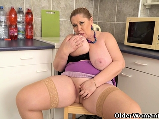 Euro BBW gilf Dita gets forbidden insusceptible to connected with scullery