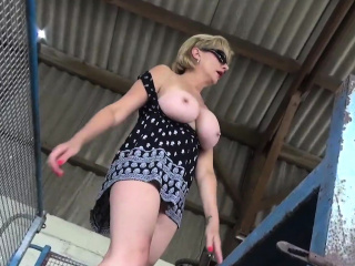 Big titty tow-headed Lady Sonia fulgorous on touching bring in