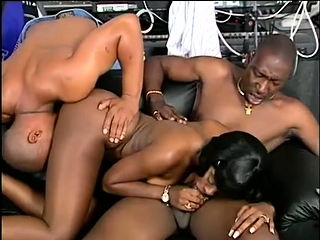 Fat breasted ebon MILF gives awesome blowjob