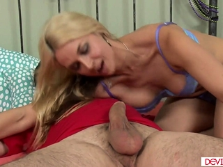 Sexy stepmom riding stepsons enduring load of shit