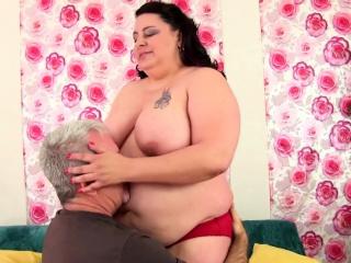 Mature bbw gets ass fucked for cum